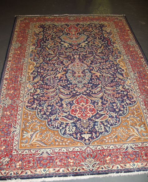 A antique fine Sarouq carpet in perfect condition, so tightly knotted it feels like leather